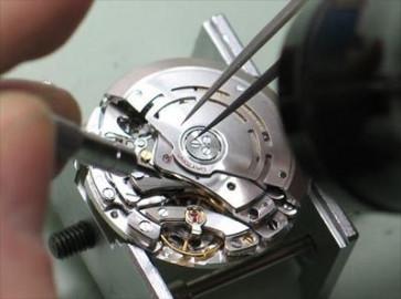 Vervangen van horloge uurwerken klein (wat voorheen opdraai was)